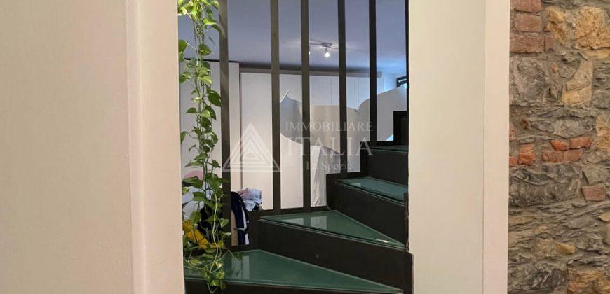 Centro Storico – pregiato ampio 4 vani mansardato